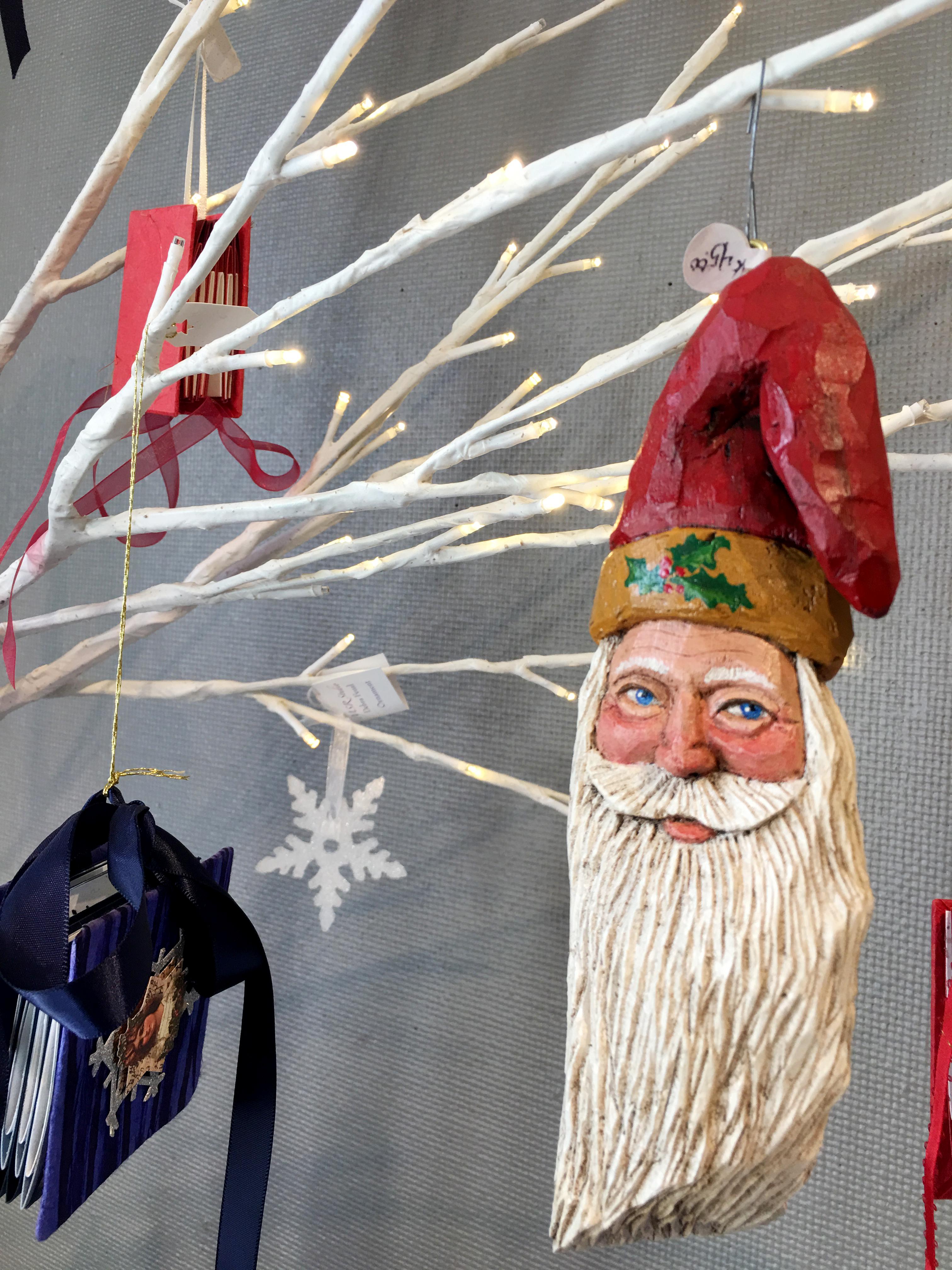 2016-holiday-popup-shop_woo-santa3