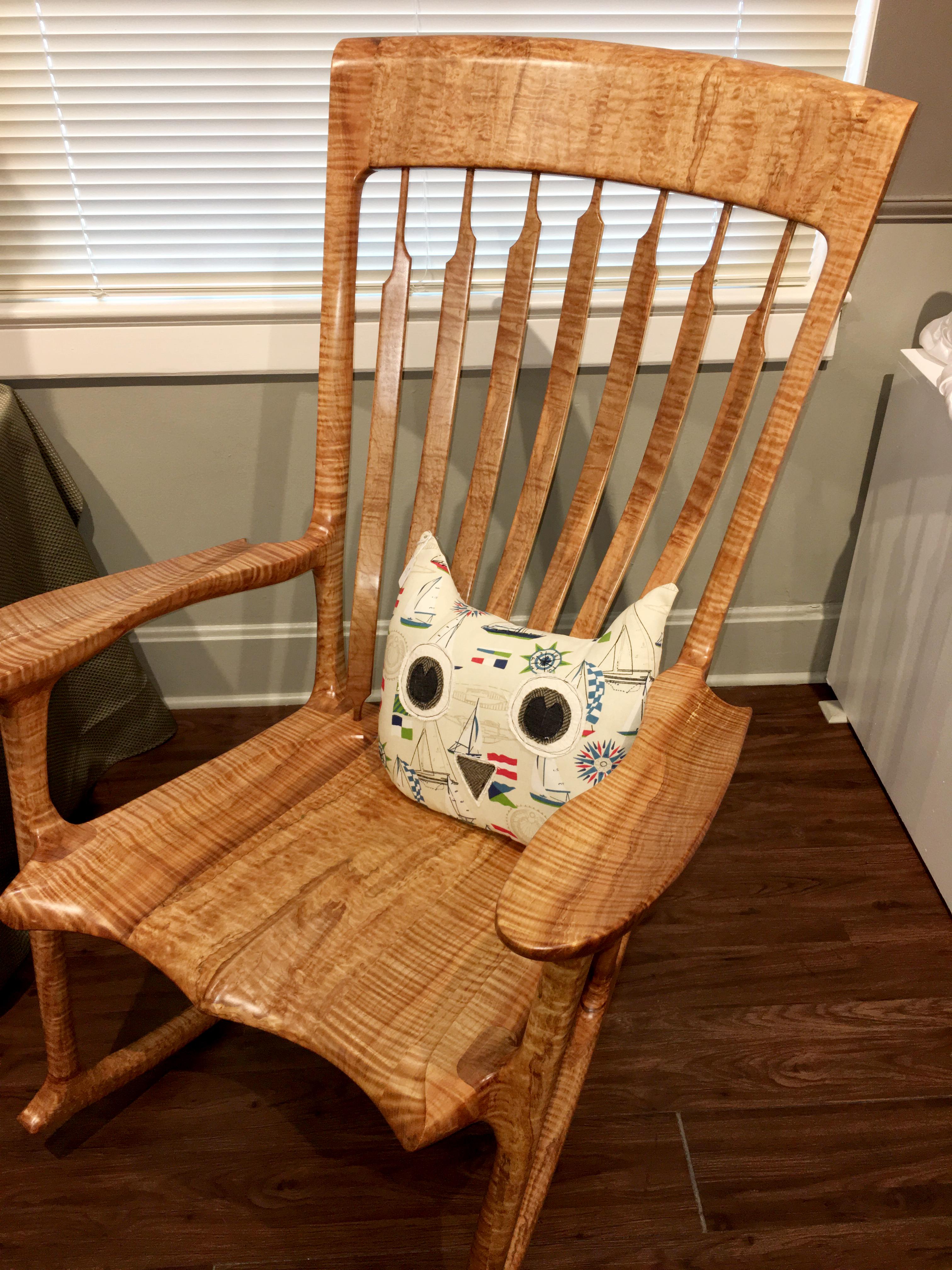 2016-holiday-popup-shop_wood-rockin-chair
