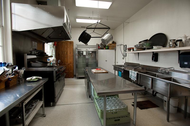 UVAA_kitchen_12-2010-132